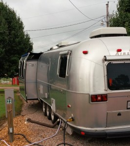 Airstream TT with a slide