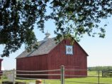 Barn with Laura's favorite quilt pattern