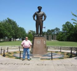 Eisenhower Statue - Abeline, KS