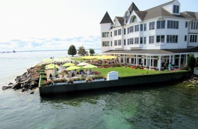 Another hotel with outdoor dining on the water