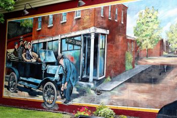 First Cuba Mural at People's Bank